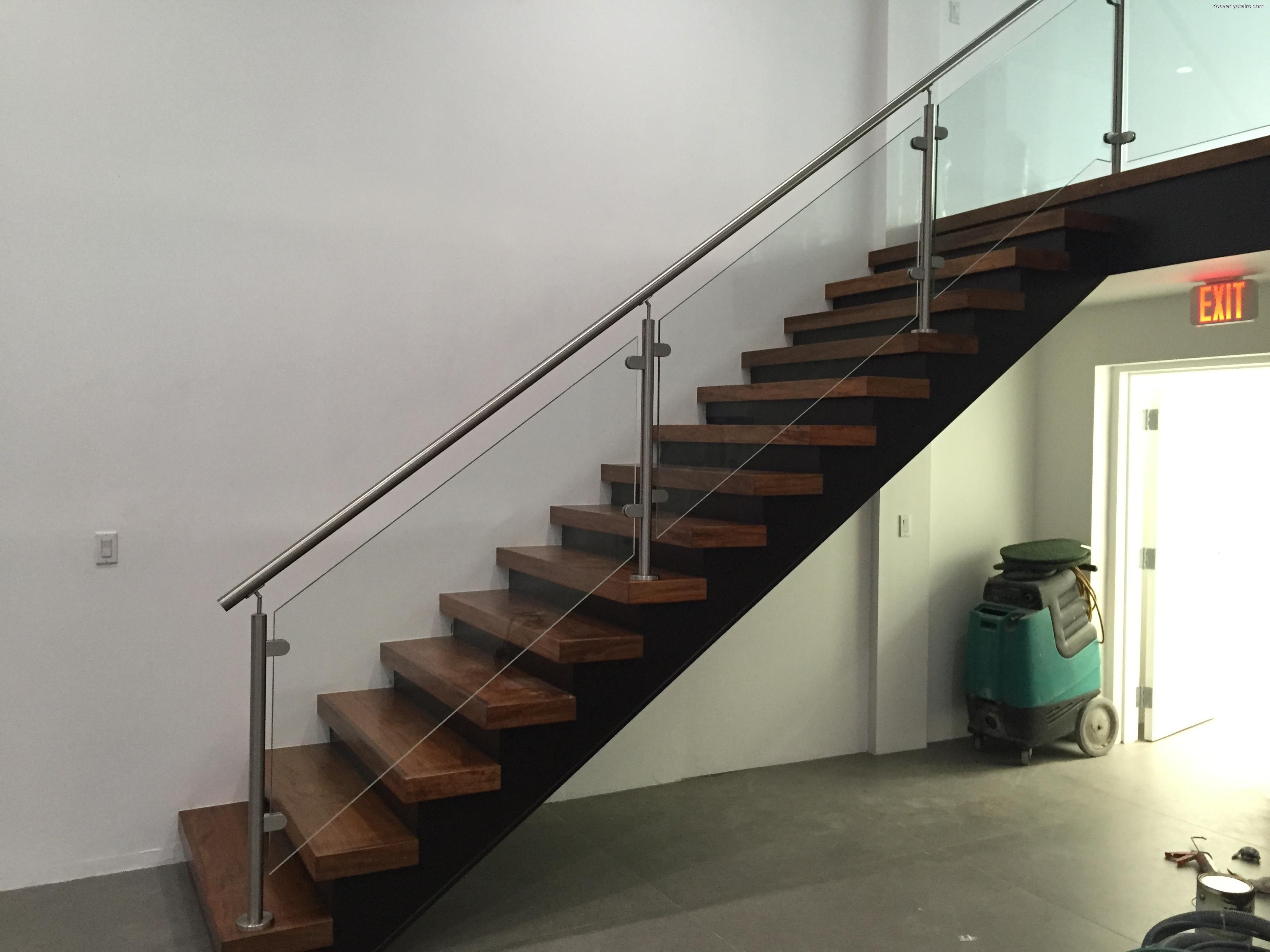 Instalar Y Remodelar Escaleras De Barandas De Hierro En Miami ~ Barandas De Hierro Para Escaleras Interiores